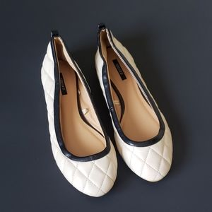 FOREVER 21 CREAM & BLACK QUILTED BALLET FLATS